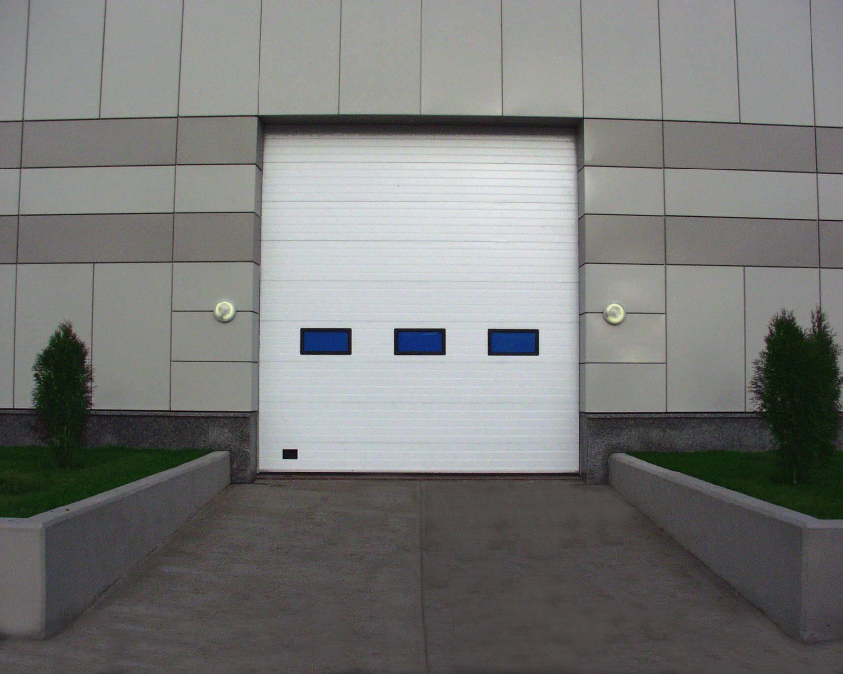 Промышленные ворота секционные